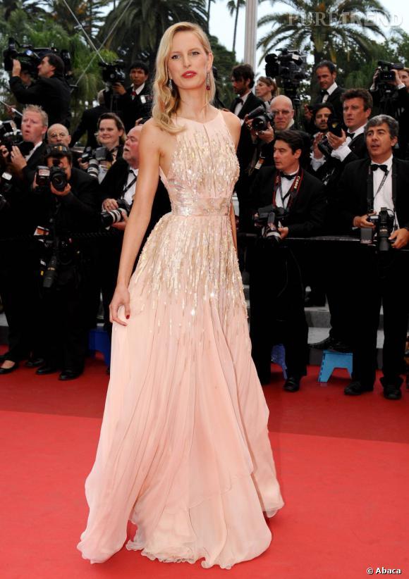 """Karolina Kurkova, à Cannes, pour la projection du film """"Les Bien-Aimés""""."""