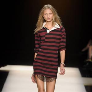 Le polo selon Isabel Marant : assez long pour en faire une robe, mais assez court pour se muer en tunique.