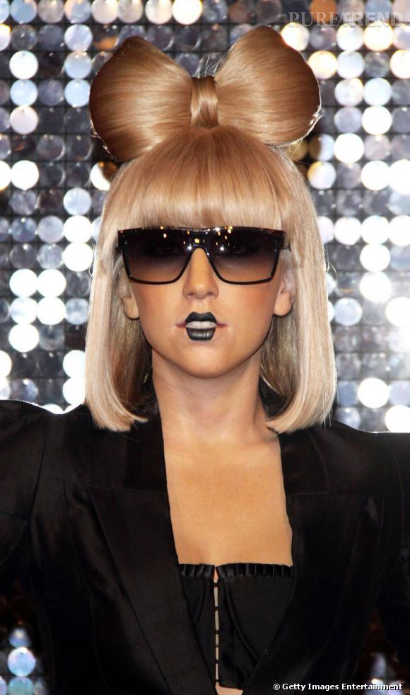 L\u0026039;évolution coiffure de Lady Gaga Le noeud devenu iconique fait son  retour
