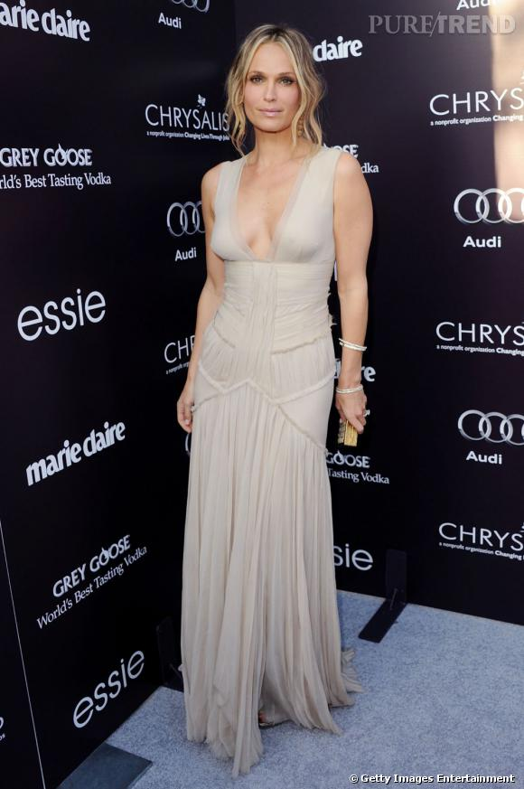"""Molly Sims, à nu dans cette robe signée J.Mendel pour le """"Chrysalis Butterfly Ball""""."""