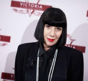 Les secrets de beauté mini prix des stars  Nom : Chantal Thomass Son Secret: Utiliser la même teinture pour ses cheveux et pour dessiner ses sourcils