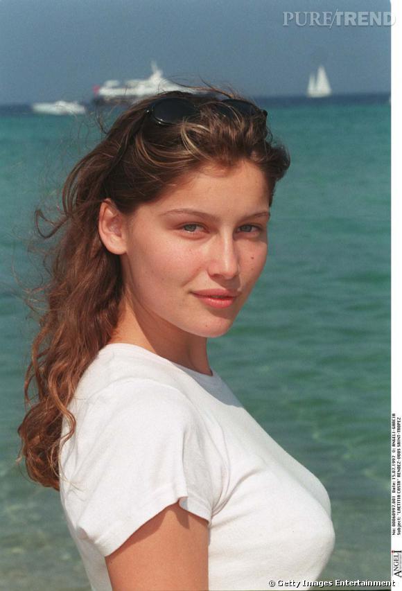 Les secrets de beauté mini prix des stars        Nom :     Laetitia Casta         Son Secret    :  Tresser ses cheveux le soir pour obtenir une belle ondulation au réveil.