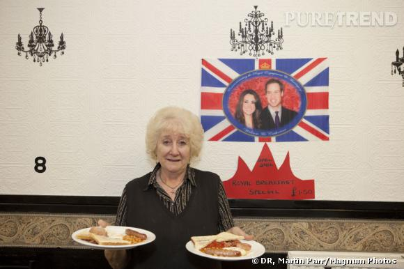 GB. England. Bilston. The Black Country. The Royal wedding between Kate Middleton and Prince William. Royal Breakfast Special at Ginghams Cafe. 2011.