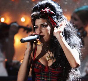 Amy Winehouse : décryptage du style d'une pin-up trash