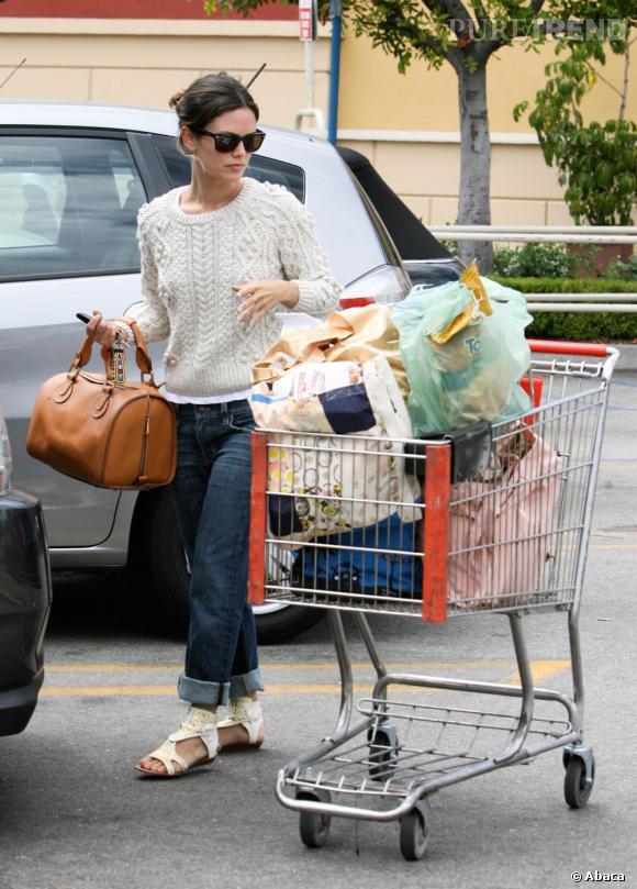 Rachel Bilson fait ses courses à Los Angeles.