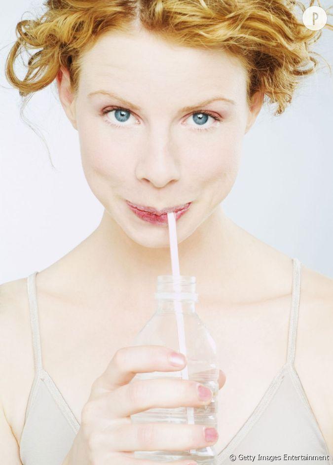 il faut boire 1 litre d 39 eau par jour les filles nervantes celles qui ont toujours un paquet. Black Bedroom Furniture Sets. Home Design Ideas