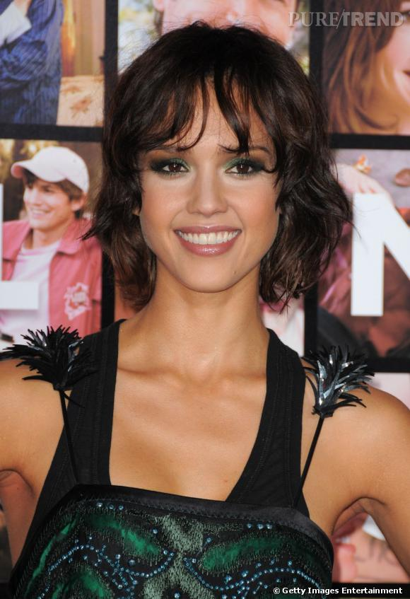 coiffure visage ovale longtemps abonn e au long lisse ou ondul jessica alba a os le carr et. Black Bedroom Furniture Sets. Home Design Ideas