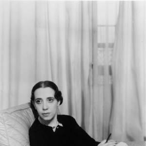Potrait de la créatrice d'origine italienne, Elsa Schiaparelli en 1934.