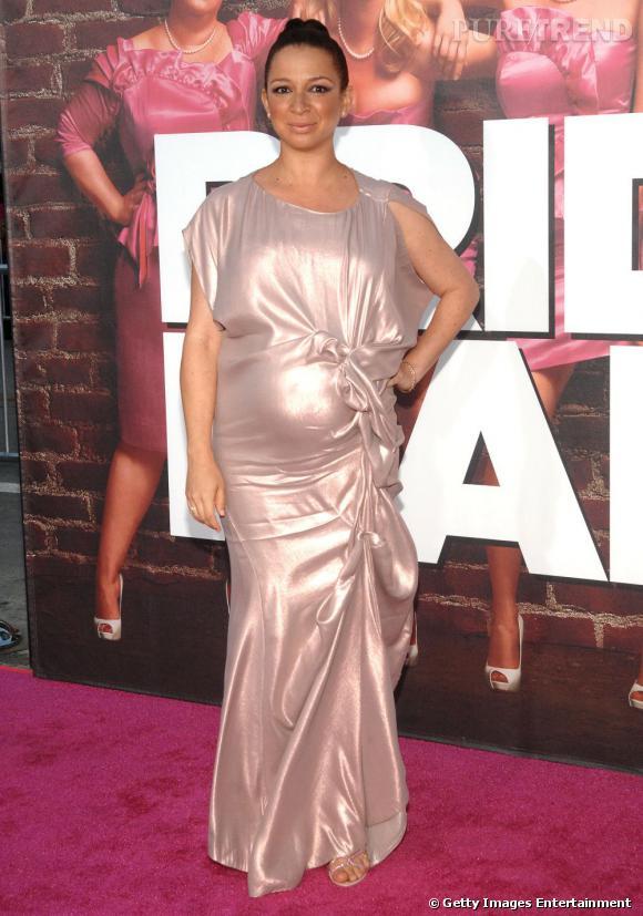 L'actrice Maya Rudolph met l'accent sur ses rondeurs, un peu trop.