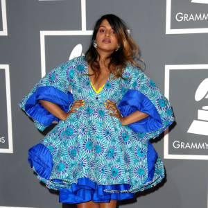 M.I.A. en robe tente, de circonstance.
