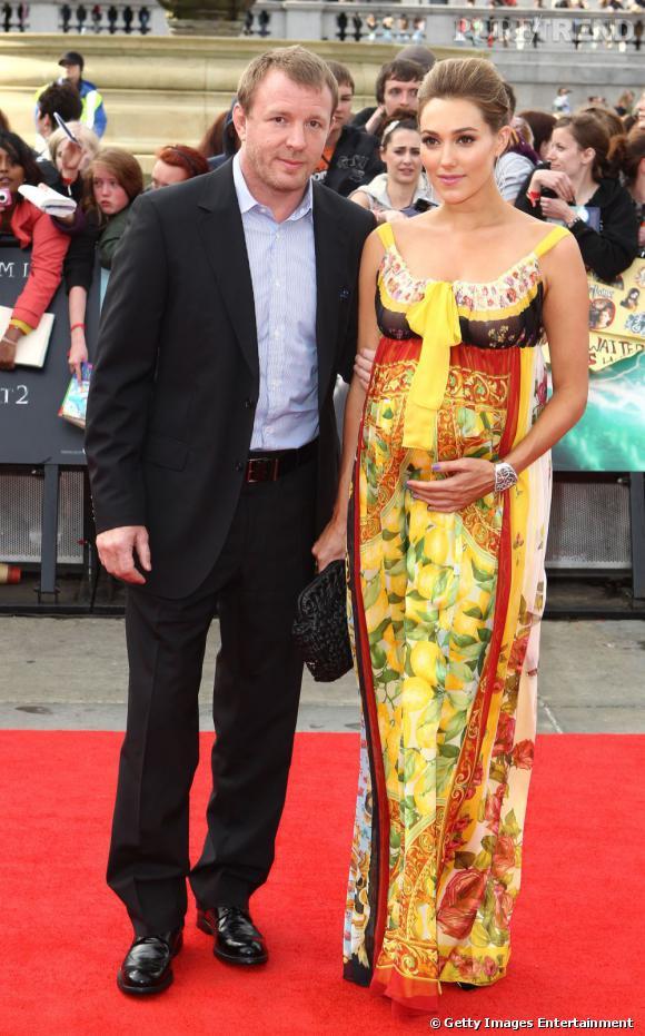 La nouvelle girlfriend de Guy Ritchie, Jacqui Ainsley n'a pas peur de la couleur, ni des imprimés d'ailleurs.