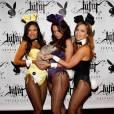 Escarpins assortis au body et oreilles de lapin, les Bunnies Hiromi Oshima, Lindsey Vuolo et Deanna Brooks prennent la pose pour le 50ème anniversaire de Playboy.
