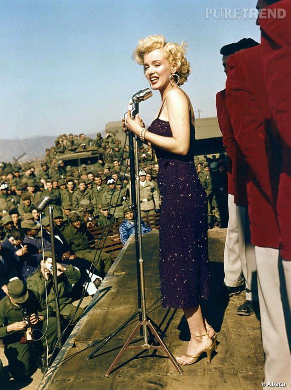 Une des premières à oser la double casquette, l'emblématique Marilyn Monroe qui n'a pas hésité à pousser la chansonnette pour le Président des États-Unis...