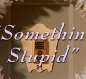 """Nicole s'offre un clip très kitsh avec Robbie Williams pour """"Somethin' Stupid""""."""