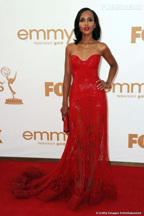 Kerry Washington opte pour du rouge glitter en robe Zuhair Murad Couture.