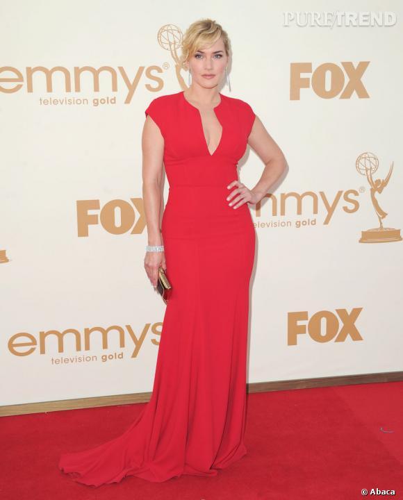 Kate Winslet joue la carte du rouge Hollywood en Elie Saab collection Croisière 2012.