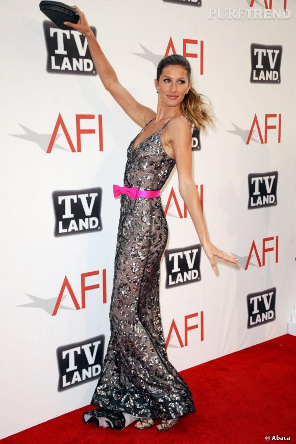 Le flop pose 2 : Gisèle, prête pour Miss Univers.