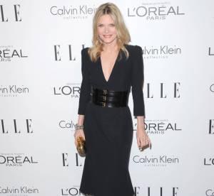 Michelle Pfeiffer, corsetée
