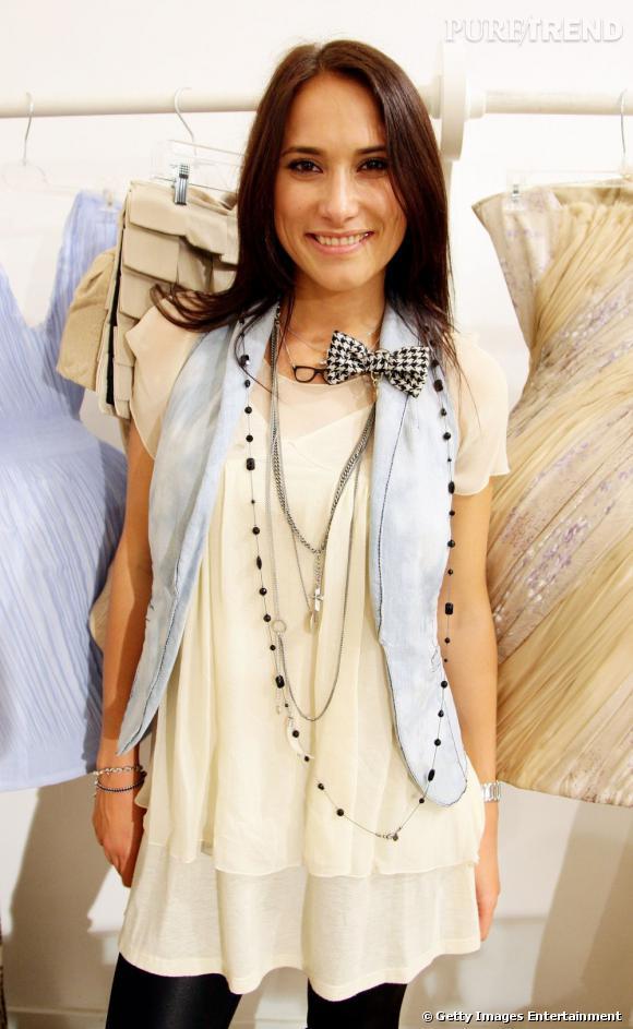 """Après avoir commencé sa carrière de mannequin à 13 ans, Masha Kravtsova (Маша Кравцова) s'est tournée vers la mode et a créé sa propre marque """"Muscovites"""" qui bénéficie d'une certaine notoriété en Russie mais aussi à Milan où elle a présenté sa collection en 2008."""