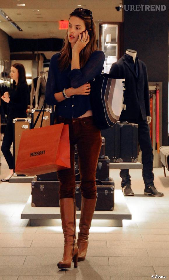 Alessandra fait son shopping chez Missoni et c'est tant mieux.