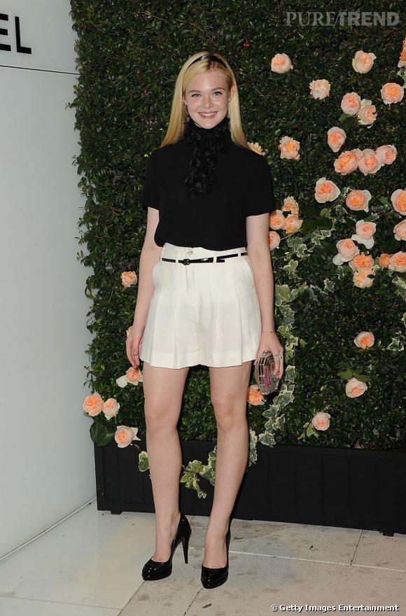 Elle Fanning, adorable en total look Chanel.