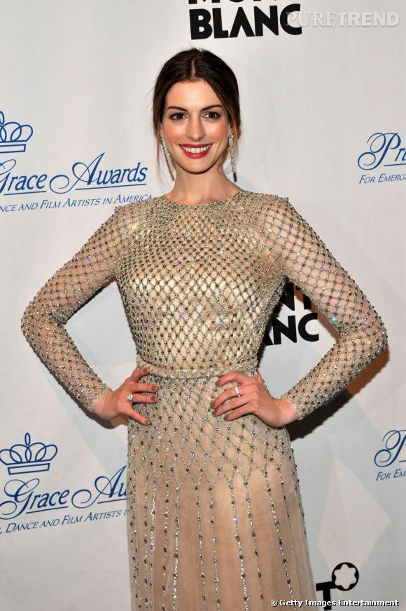 Anne Hathaway à la soirée organisée en l'honneur de la Princesse Grace à New York.