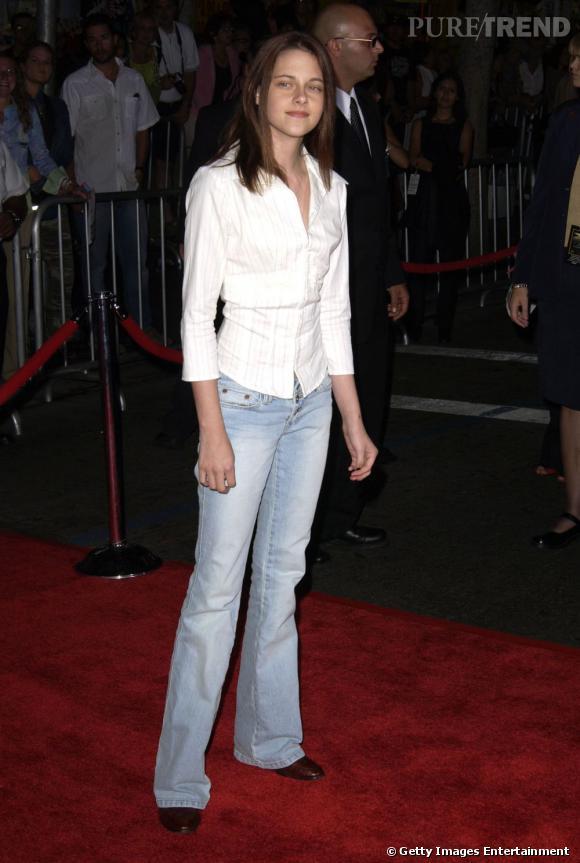 Avec son air inquiet et une tenue pas franchement branchée, lorsqu'elle a 13 ans, Kristen Stewart n'a rien d'une fashionista.