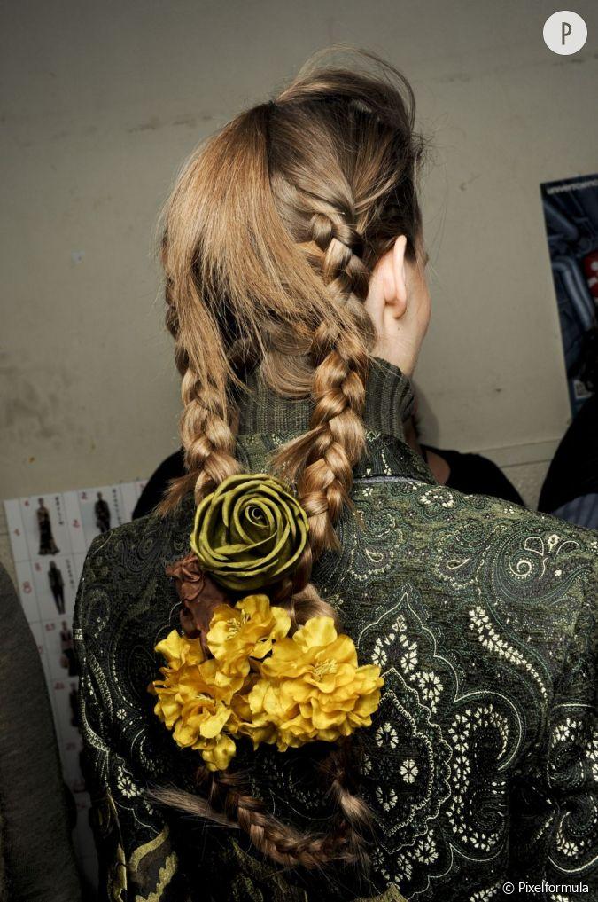la coiffure se fait bouquet de fleurs pour une chevelure boh me et v g tale. Black Bedroom Furniture Sets. Home Design Ideas