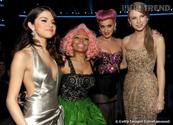 Jolie brochette de chanteuses pour cette édition 2011 des American Music Awards organisés à Los Angeles.