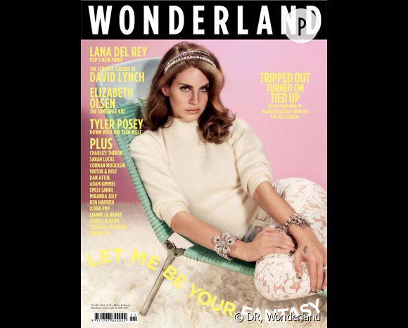 Lana Del Rey en couverture de Wonderland novembre 2011.