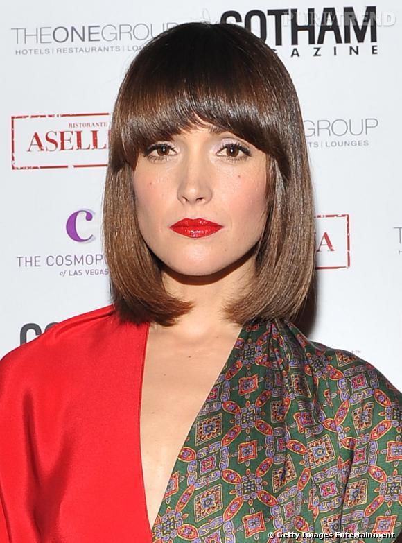 Les 50 plus belles coiffures 2011    En 2011, Rose Byrnes a opté pour une nouvelle coupe et se coiffe d'un carré frangé à l'esprit cabaret.