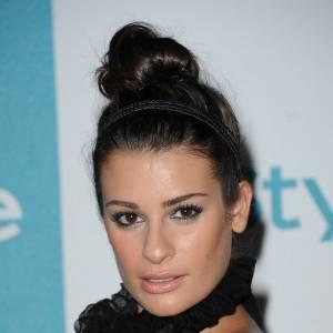 Les 50 plus belles coiffures 2011 Lea Michelle se fait remarquer avec son chignon boule, LA coiffure des it-girls.
