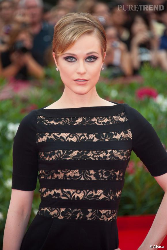 Les 50 plus belles coiffures 2011    Evan Rachel Wood remet les coiffures rétro au goût du jour. On aime sa coupe à la garçonne plaquée qui réussit à la rendre glamour.