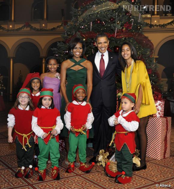 La famille Obama et les lutins de Noël, quel joli tableau !