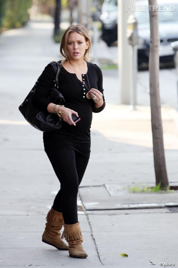 Hilary Duff, toujours plus enceinte, dans les rues de Los Angeles.