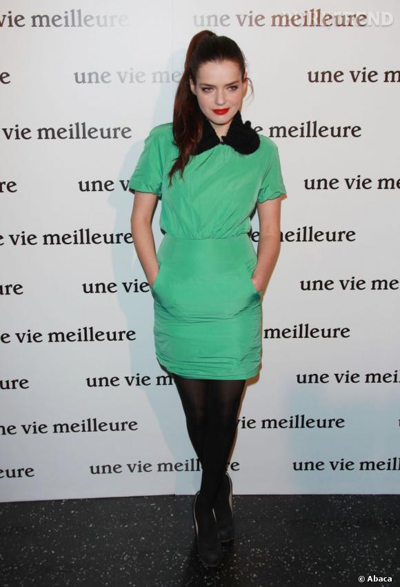 """Roxane Mesquida lors de la première du film """"Une Vie meilleure"""" à Paris."""