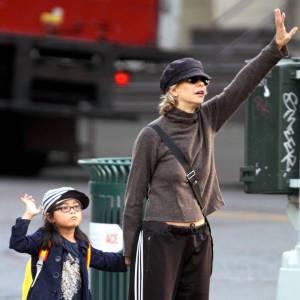Le flop look de rue : bas de survêtement, vieux pull informe, casquette ringarde. On a touché le fond.