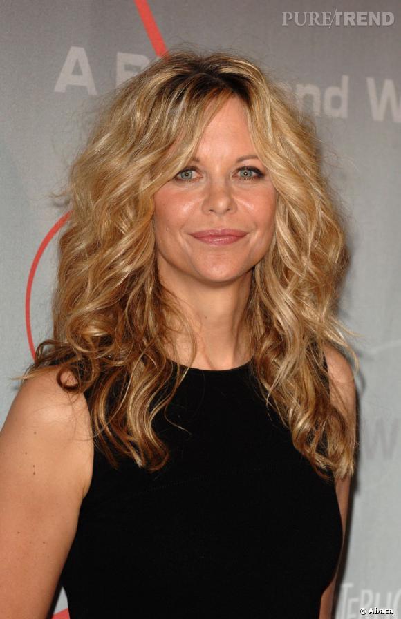le top beauty-look :  les cheveux ondulés et un maquillage plus léger, Meg Ryan s'améliore.