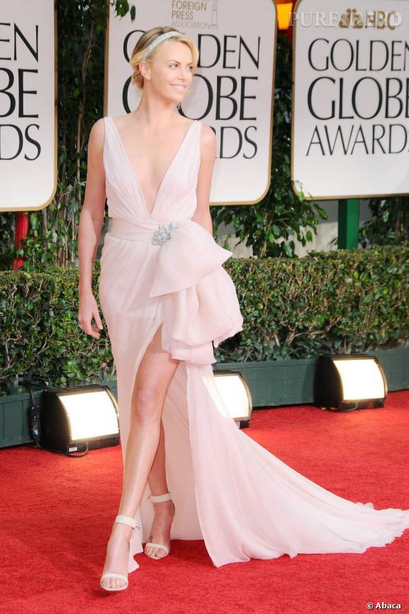 Charlize Theron en Christian Dior Couture gagne la Première place.