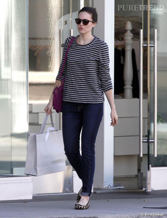 Mandy Moore dans les rues de Los Angeles, mode et basique.