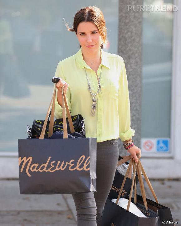 Sophia Bush, look acidulé à Los Angeles.
