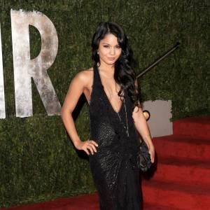 En 2010, Vanessa Hudgens fait un retour fracassant sur red carpet dans une robe Jenny Packham.