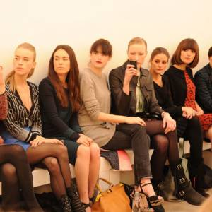 Mary Charteris, Olivia Palermo, Rose Byrne et Irina Lazareanu au défilé Pringle of Scotland.