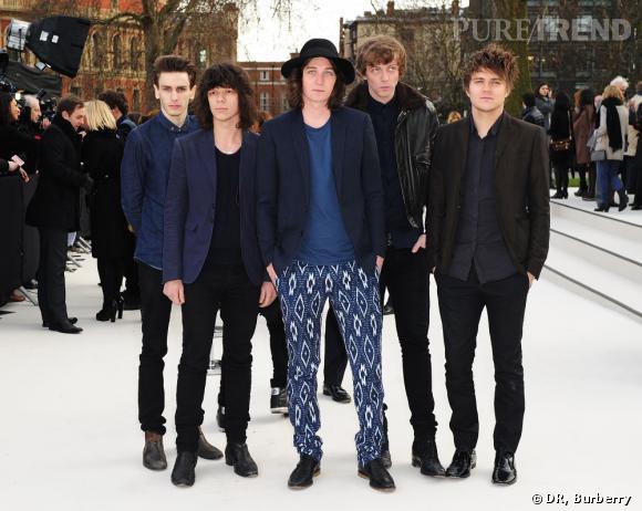 Le groupe One Night Only est de la partie avec George Graig au centre, ex d'Emma Watson. Il a d'ailleurs participé avec elle à la campagne Printemps-Eté 2010 de Burberry.