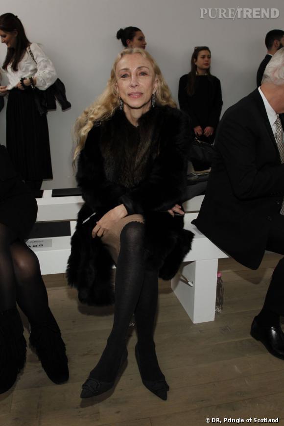 Franca Sozzani, rédactrice en chef du Vogue Italie a fait le déplacement pour prendre sa place au front row de la présentation Pringle of Scotland.