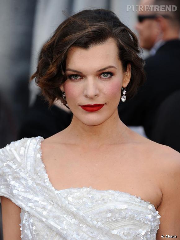 Milla Jovovich, Oscar de la plus belle coiffure rétro.