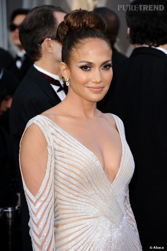 Jennifer Lopez, experte ès coiffure, repart avec l'Oscar du plus beau chignon décerné par Puretrend.
