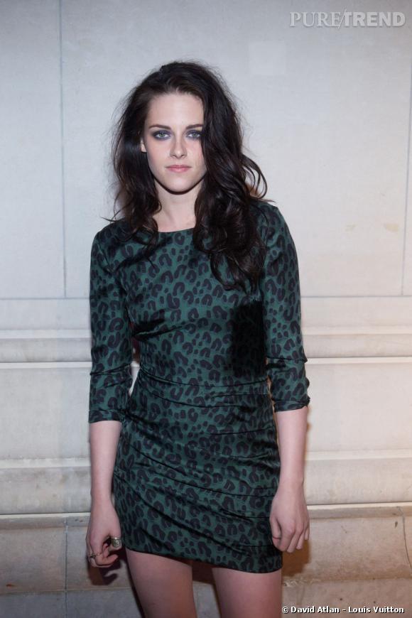 Kristen Stewart au vernissage de l'exposition Louis Vuitton à Paris.