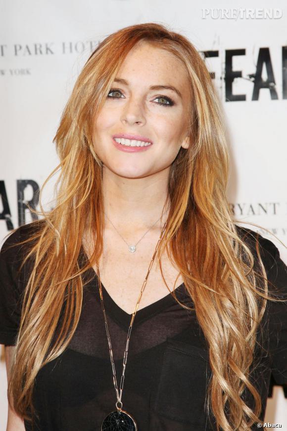Les longueurs de Lindsay Lohan auraient gagné à être légèrement raccourcies, mais sa couleur lumineuse éclipse ce détail.