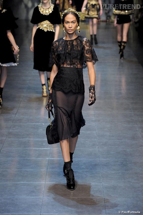 Joan Smalls défile pour Dolce & Gabbana Automne-Hiver 2012/2013.